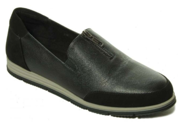 leather casual shoe
