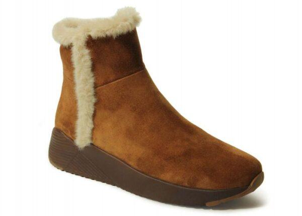 Vaneli Aydel boots in Camel Weatherproof Suede