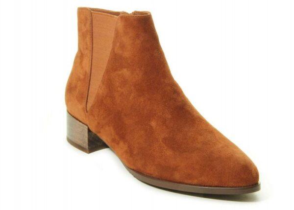 Vaneli Talita boots in Ember Suede
